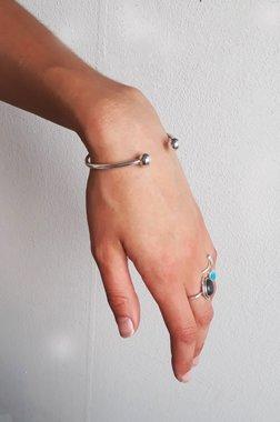 Aardende en centrerende lichtgewichtEnergetische-armband